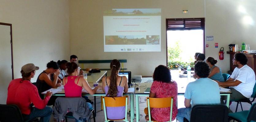 WEB-comite-de-suivi-du-projet-savanes-de-decembre-2013-a-Iracoubo-©-de-Pracontal-N