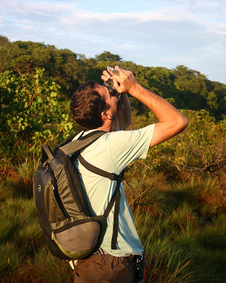 WEB-recadré-releves-ornithologiques-dans-les-savanes-du-centre-spatial-©-Stier-A---GEPOG